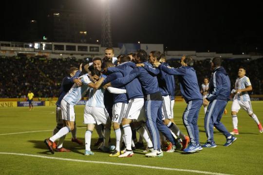 El festejo en Ecuador tras el sufrimiento. Argentina clasificó con angustia a 'Rusia 2018'