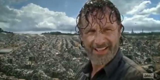 The Walking Dead: C'est déjà dans la décharge de Jadis qu'un objet volant avait été aperçu par des fans zélés dans la saison 7.