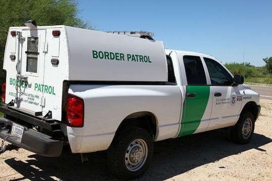 US Border Patrol at a checkpoint near Tucson, Arizona (Image credit – Bill Morrow, Wikimedia Commons)