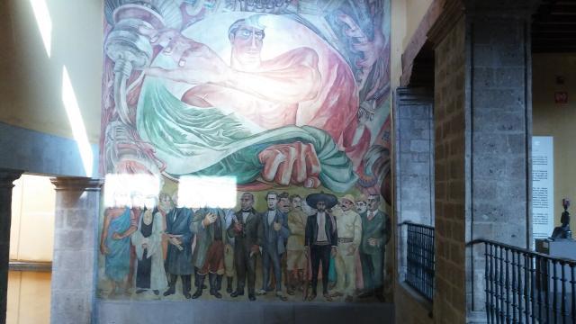 José Gordillo se inspira en la patria para