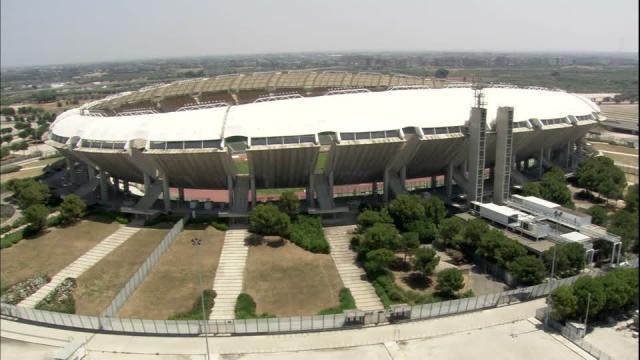 Lo stadio San Nicola di Bari, dove si svolgerà la partitamepool.com