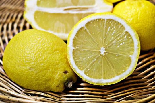 Trucos caseros con limón y sal