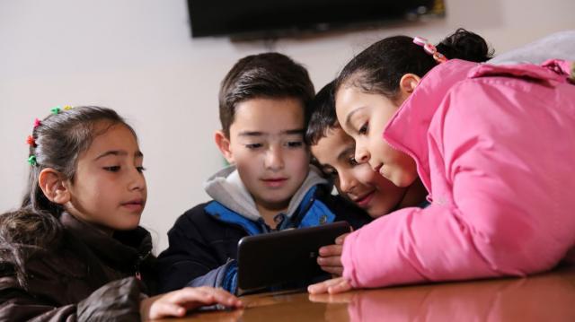 Bambini e social, istruzioni per l'uso (e in cosa i genitori ... - ninjamarketing.it