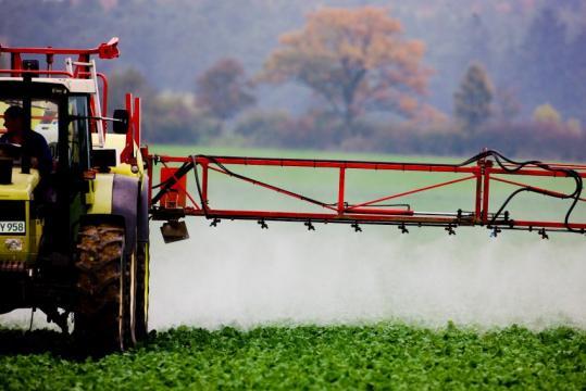 Glyphosat: Kalifornien stuft Monsanto-Pestizid als potenziell ... - spiegel.de