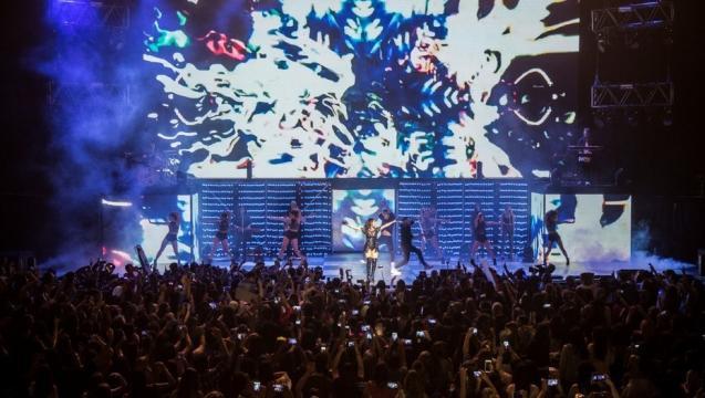 Lali Espósito durante su show en el Luna Park