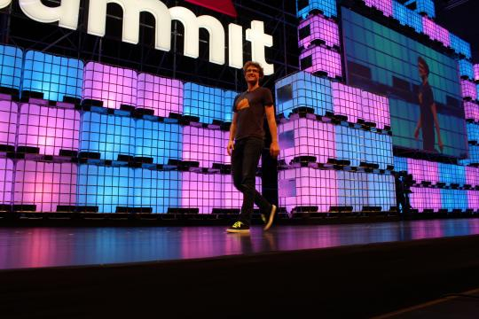 Paddy Cosgrave no palco do Web Summit