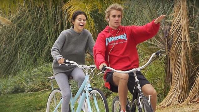 Selena Gomez y Justin Bieber imágenes que dieron vuelta por las redes