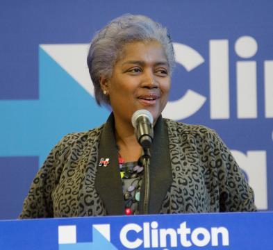 Donna Brazile, ex presidenta del Comité Nacional Demócrata durante la campaña de Clinton
