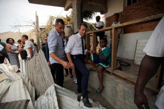 A Saint-Martin, Macron a dormi dans un vrai lit - Libération - liberation.fr
