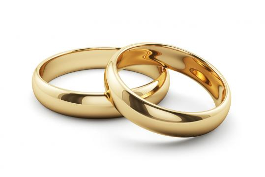 Gold Wedding Ring - 'MAFS' star says husband cheated