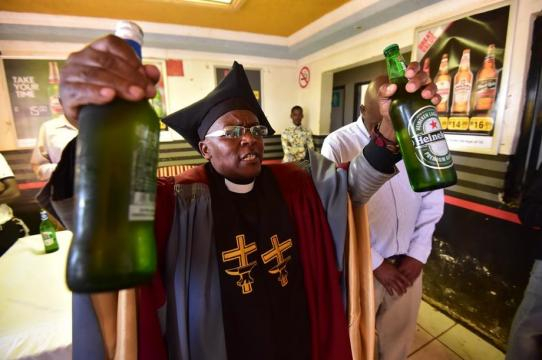Tsietsi Makiti, de 52 anos de idade, é o fundador da Igreja Gabola