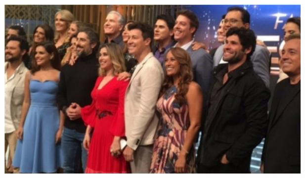 Record faz amigo secreto entre as celebridades do canal