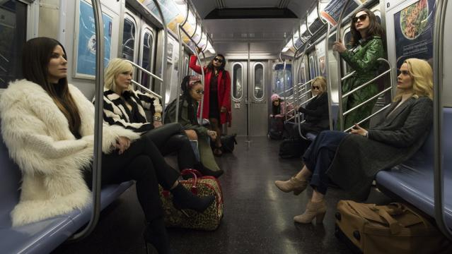 Sandra Bullock, Cate Blanchett, Rihanna, Anne Hathaway no filme 'Ocean's 8 - Foto variety.com