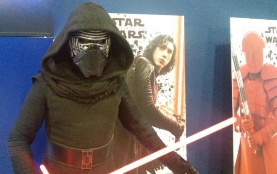 Kylo Ren vino a completar su entrenamiento Sith.