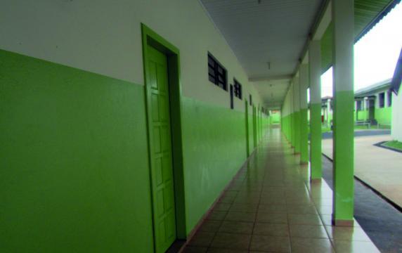 Área de serviços gerais: limpeza dos ambientes (Foto: Fátima de Souza Rocha)