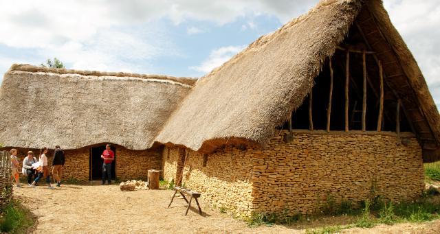 En Normandie, Ornavik, un parc où les bénévoles vivent comme les normands, en l'an 1 000