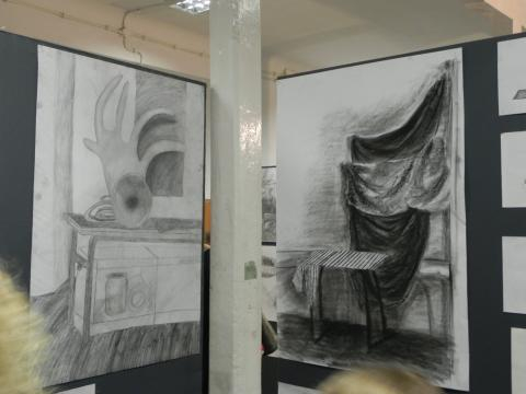 Fragment wystawy 'Szkoły Sztuki' w Ostrowcu Świętokrzyskim (fot. K. Krzak)