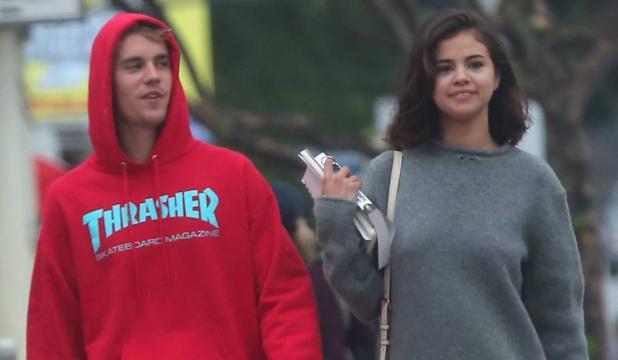 El beso de Justin Bieber y Selena Gomez que confirma que han ... - elpais.com