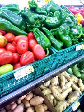 Legumes recém chegados dos fornecedores (crédito: Maria Carolina Juliano Crestani)