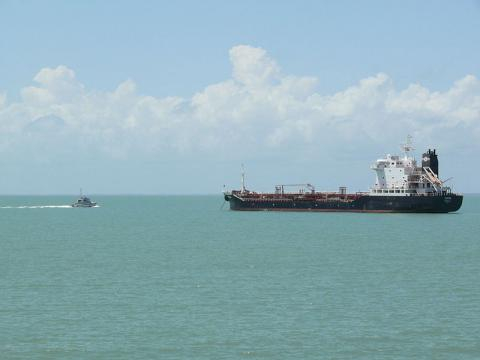 An oil tanker (Image credit – Arria Belli, Wikimedia Commons)