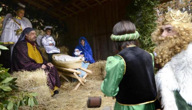 Vecinos de Dacón escenifican el nacimiento de Jesús en un belén ... - lainformacion.com