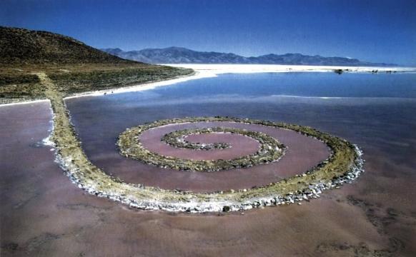 Spiral Jetty - Robert Smithson (Photo: Gianfranco o Gorgoni)
