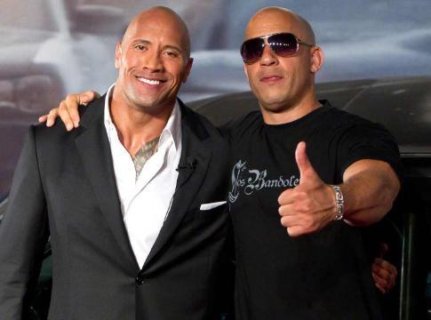Dwayne Johnson e Vin Diesel acumularam um bilhão com Velozes e Furiosos 8 (Foto Reprodução).