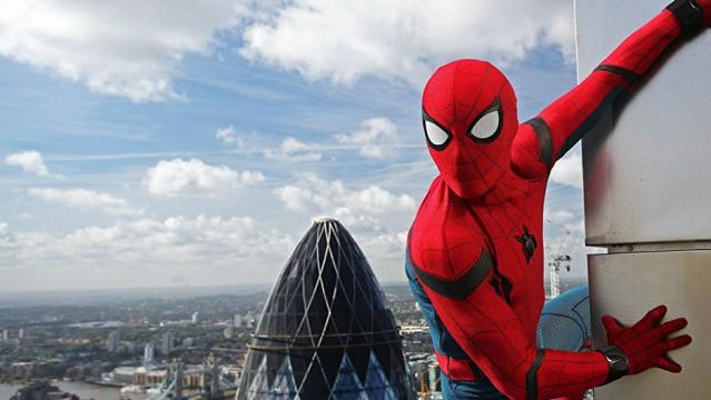 Amazon.com: Spider-Man: Homecoming: Robert Downey Jr., Michael ... - amazon.com