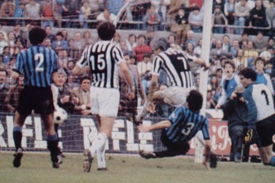 Juventus-Inter 1983, il gol di Bettega fissa il punteggio sul 3-3