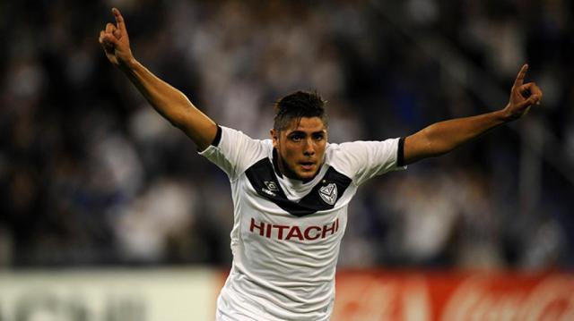 Vélez: Maximiliano Romero tuvo que abandonar la práctica | TyC Sports - tycsports.com