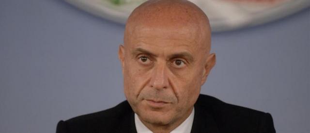 Il ministro dell'interno, Marco Minniti: 'Guai a sottovalutare il fenomeno neofascista'