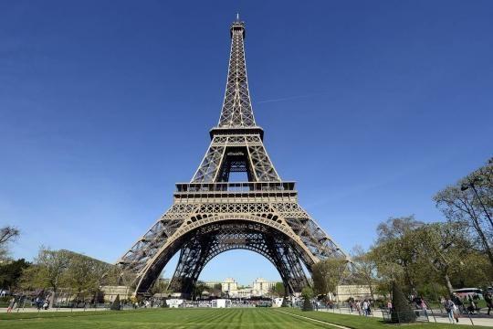 Eiffel Tower Reopens After Strike - WSJ - wsj.com
