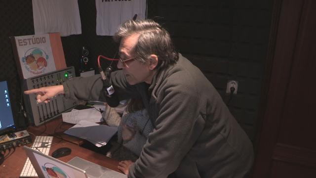 João Pedro Costa coordena a produção da Rádio Miúdos.