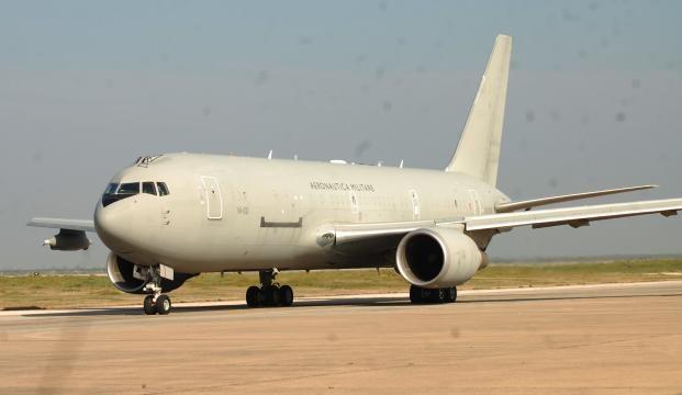 Un KC-767 de Italia para reabastecimiento. La cooperación internacional es vital en este tipo de misiones.