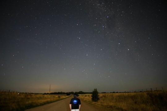 Desde otros puntos del país se suman aficionados a la Astronomía. En este caso desde Tandil (Bs.As.) aprecian el cielo nocturno