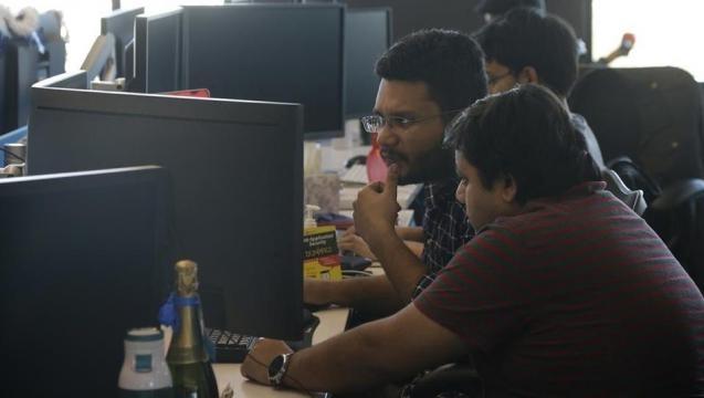 US President Trump's move on H1-B visa spooks Indian tech firms ... - hindustantimes.com