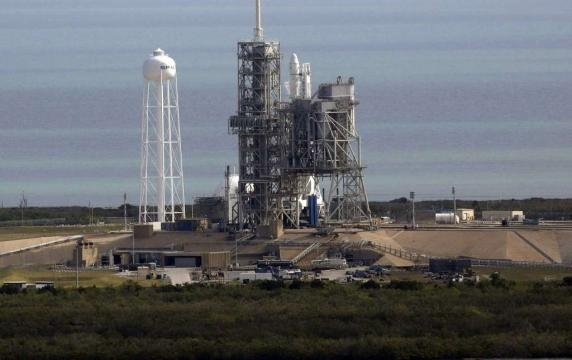 SpaceX launches rocket from NASA's historic moon pad - Houston ... - chron.com