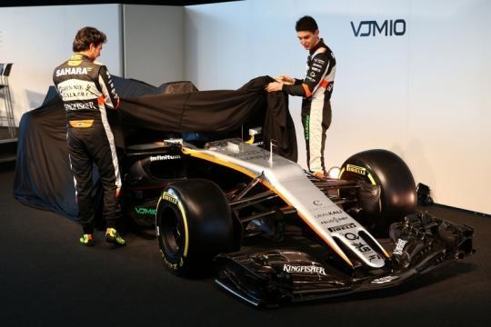 La presentazione della VJM10 a Silverstone