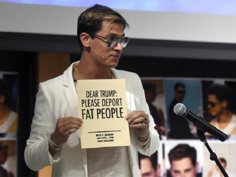 Una de las extravagancias de Milo Yiannopoulos: un cartel en el que pide