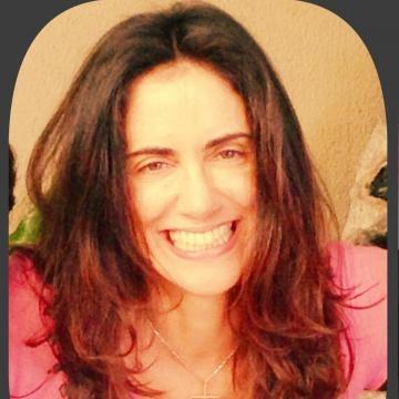 A advogada Renata Ferrão, assassinada pelo marido, em foto do Facebook