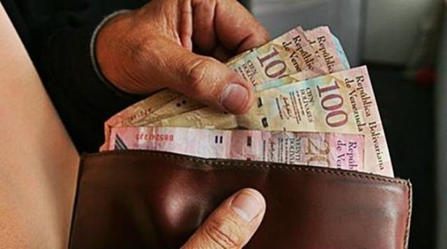 El bolivar no alcanza para adquirir los productos básicos