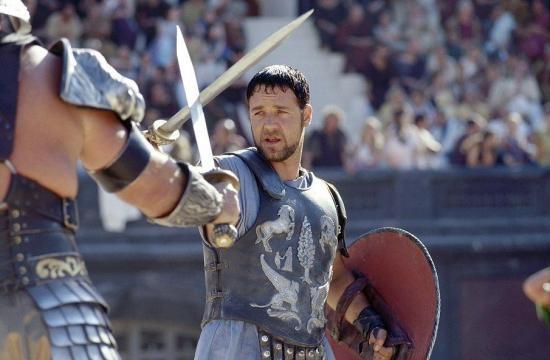 Crowe interpreta o leal general Máximus