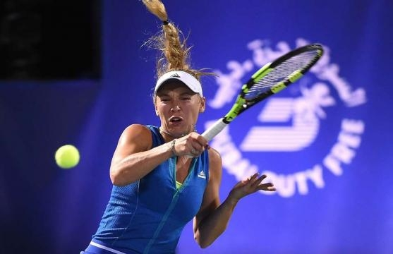 Video: Caroline Wozniacki suffers defeat and injury relapse in Indian Wells ...Picture courtesy of - givemesport.com