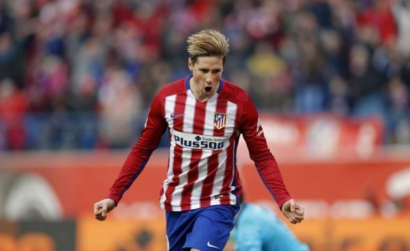 Fernando Torres celebrando un gol