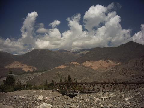 Subida hacia La Garganta del Diablo, Puente El Pucará
