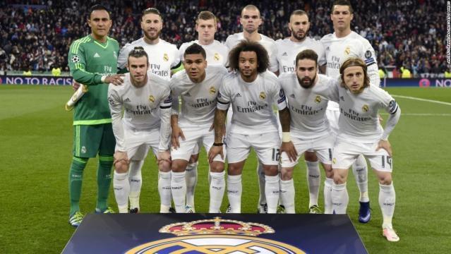 L'equipe du Real Madrid s'apprête à tester son nouvel avion remasterisé aux couleurs du club.