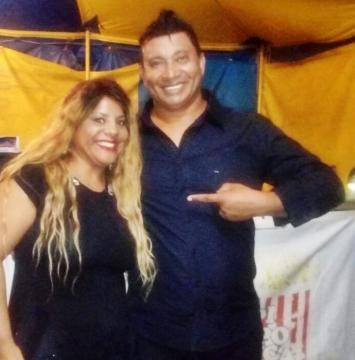 Pedro Manso e a Jornalista Fabiana Henriques que curtiu o show