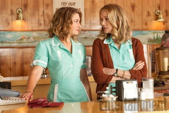 Madchen Amick and Peggy Lipton return as Shelly Johnson and Norma Jennings. / Photo via Entertainment Weekly