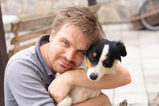 Why they say dogs don't like to be hugged   MNN - Mother Nature Network - mnn.com