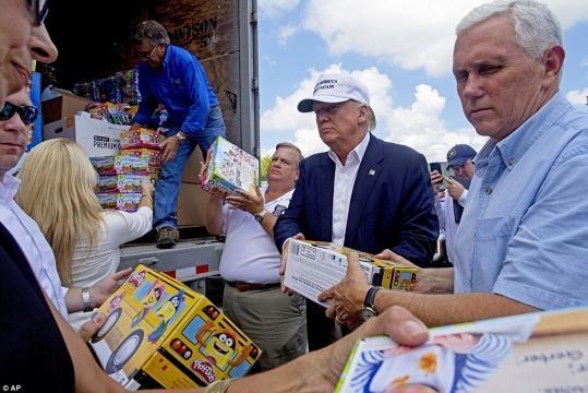 Donald Trump travels to Louisiana to survey flood damage | Daily ... - dailymail.co.uk
